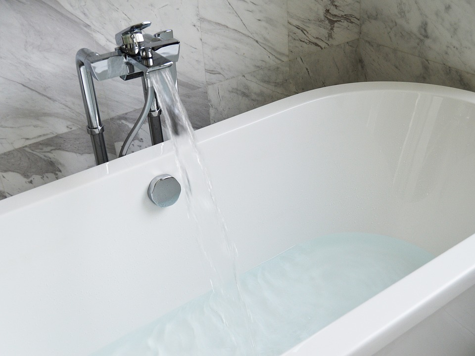 4 Reasons to Replace Your Bathtub | PJ Fitzpatrick